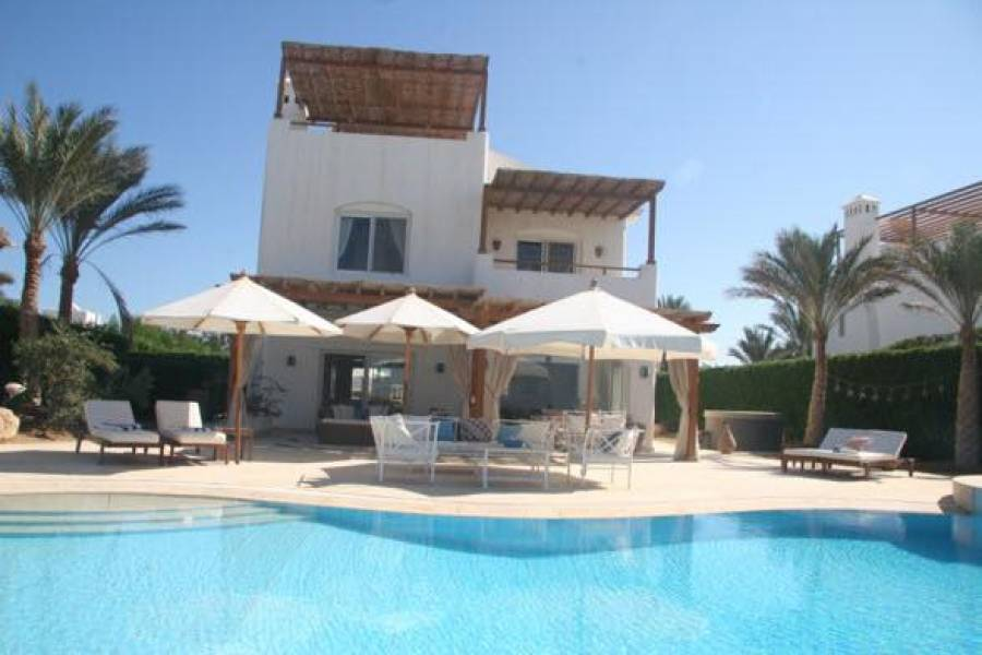 Villa IN El Gouna | White Villa Phase 5 Villa in Gouna | El Gouna Villas