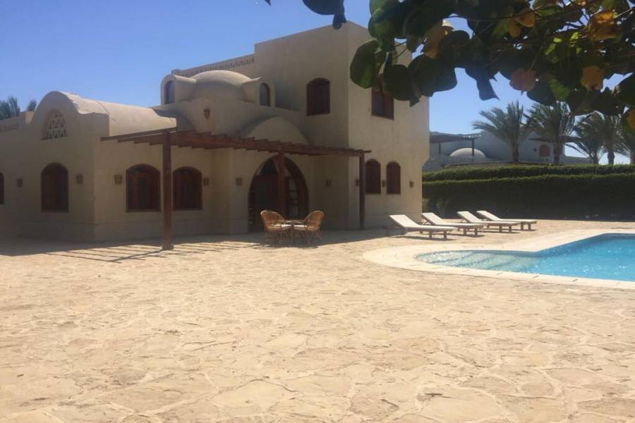 3 Bedroom Villa For Sale In North Golf Lagoons in El Gouna