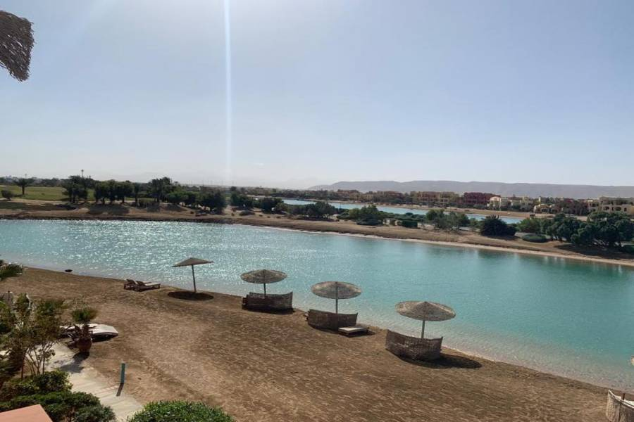 2 Bedroom Apartment in Golf Steigenberger Hotel Area For Sale In El Gouna